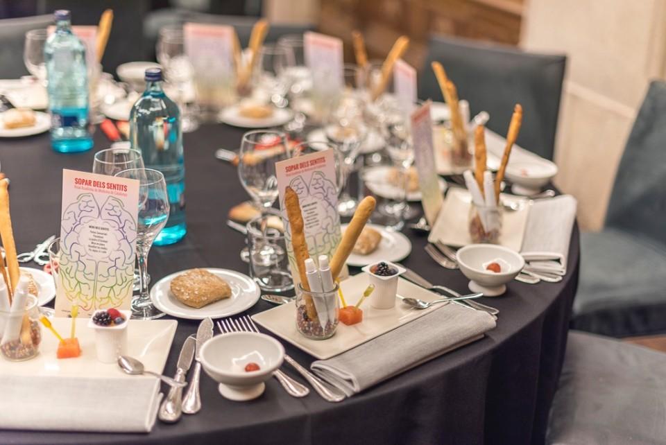Exploramos de nuevo las percepciones sensoriales en un juego gastronómico en la Cena de los Sentidos